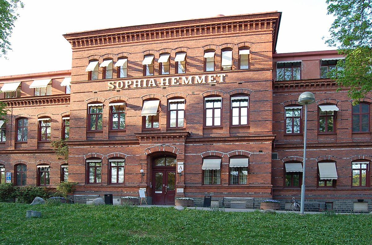 1200px-Sophiahemmet_Stockholm_front_20060509